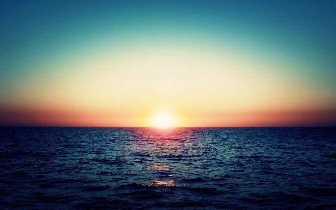 far_sunset_in_te_ocean_horizon-wide.jpg